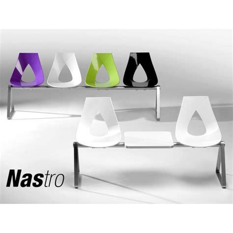 banc ou assise sur poutre design pour salle d attente