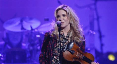 alison krauss honors randy travis with flawless cover of