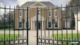 5 bed luxury property kingswood estate kingswood