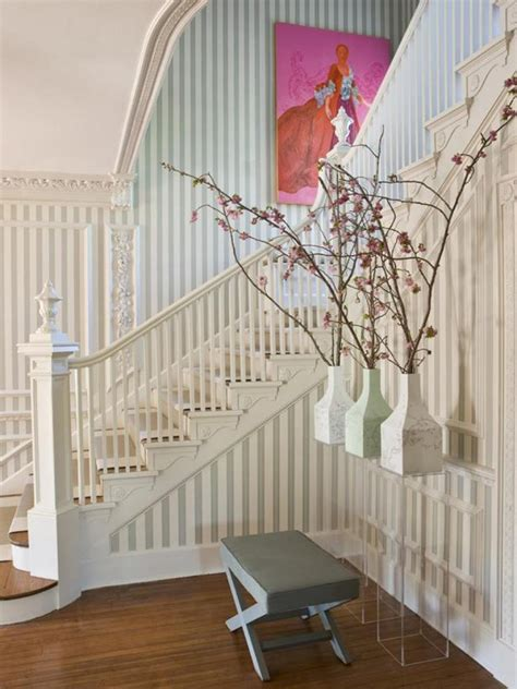 Treppenaufgang Tapezieren Ideen by 11 Wooden Staircase Ideas Diy