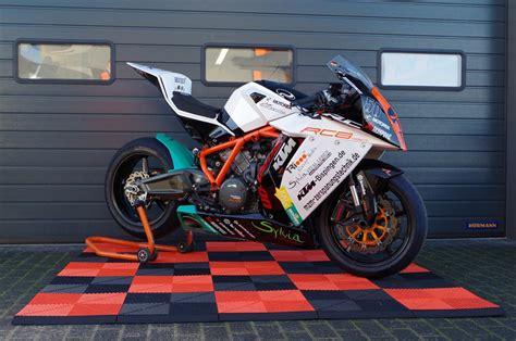 Pvc Boden Deutschland by Pvc Boden Mit Drainage F 252 R Den Motorsport
