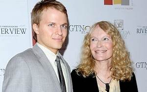 Mia Farrow: Woody Allen's son Ronan 'possibly' Frank ...