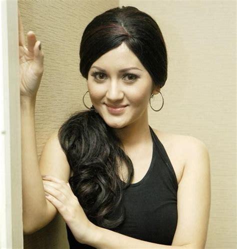 Indo Hot Nana Khairina