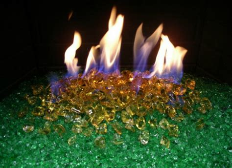 Fire pits are great but if the weather is too hot, you may not want to have a fire. 燃えるガラス:新燃料 Fire Pit Glass | wagamamaya