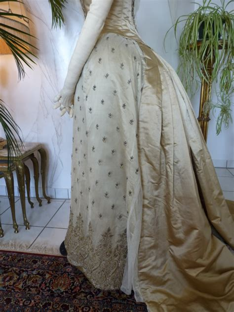 bustle ball gown ca   wwwantique gowncom