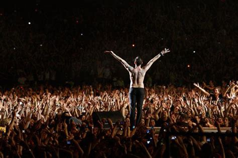 Testi Depeche Mode by Test Depeche Mode Tour Of The Universe
