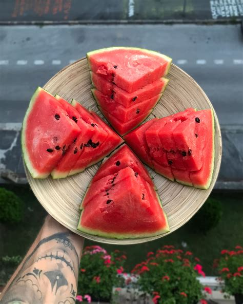Sweet Watermelon - How to pick a ripe watermelon - Michal ...