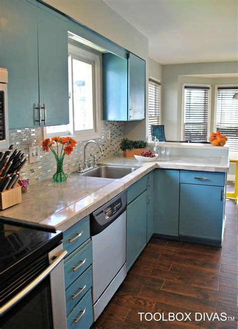 ways  instantly brighten   boring kitchen hometalk