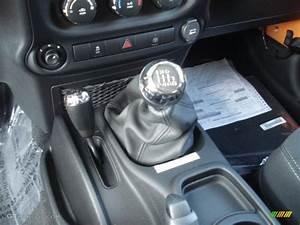 2013 Jeep Wrangler Rubicon 4x4 6 Speed Manual Transmission
