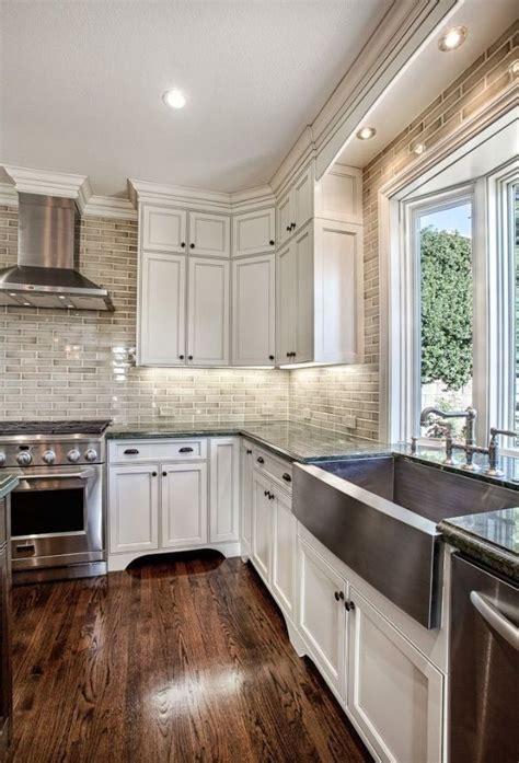25 White And Wood Kitchen Ideas by 25 Dreamy White Kitchens Kitchen Home Classic White