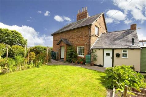bedroom semi detached house  sale  portway cottages ford shrewsbury shropshire sy