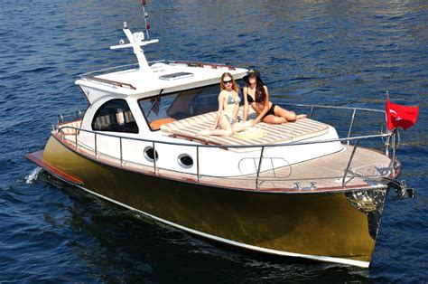 Lobster Boat For Sale Europe by New Family Lobster Yacht Buy Luxury Yacht