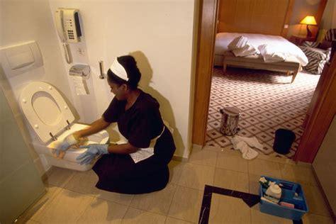emploi femme de chambre une charte pour am 233 liorer les conditions de travail des