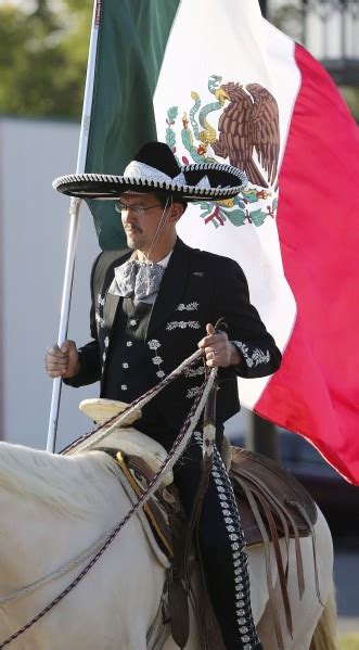 Photos: Mexican Independence Day parade | Latest News ...