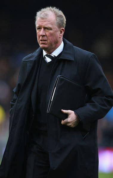 Steve McClaren - Steve McClaren Photos - Fulham v Derby ...