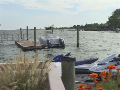 Fishing Boat Accident Nj by Li Family Survives After Fishing Boat Cut In Half In