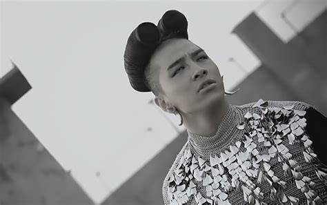 What are the crazy hairstyles you find in kpop?   Random
