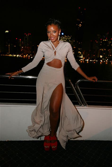 What To Wear Miami Boat Show by Wardrobe Query Angela Simmons S Miami Yacht Birthday