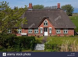 Strohhäuser In Deutschland : villa north germany stockfotos villa north germany bilder alamy ~ Markanthonyermac.com Haus und Dekorationen