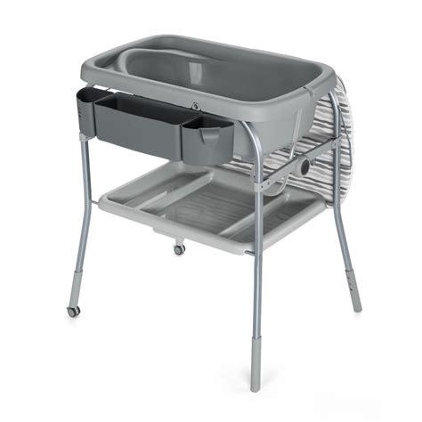 jouet pour siege auto table à langer avec la baignoire cuddle comfort