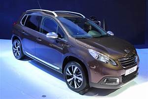 Fiabilité Renault Captur : vid o en direct du salon de gen ve 2013 peugeot 2008 mieux que la renault captur ~ Gottalentnigeria.com Avis de Voitures