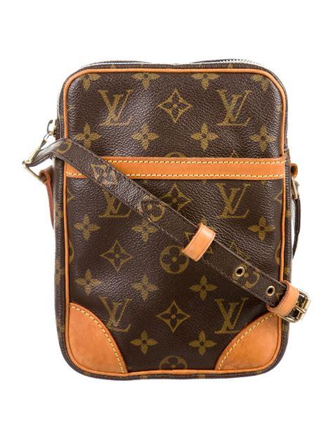louis vuitton monogram danube handbags lou  realreal