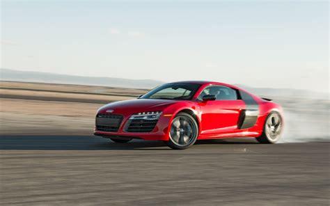 2014 Audi R8 V10 Plus Vs. 2014 Nissan Gt-r Track Pack