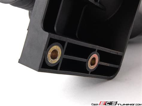 Engine oil separator 2004 part: ECS News - Porsche 986 Boxster Air-Oil Separator