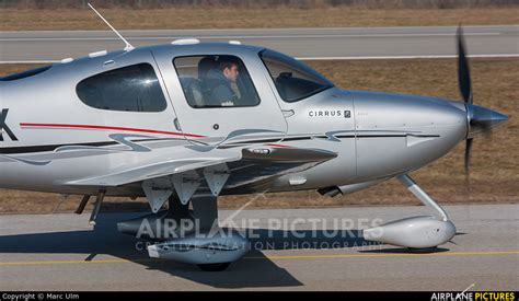 D-ESTK - Private Cirrus SR22 at Augsburg | Photo ID 859693 ...