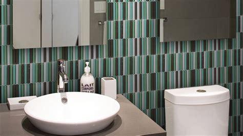 bathroom backsplash glass tile reflections in glass tile