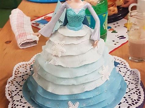 Olaf, kristoff, sven, anna & elsa +zusatz deko. Frozen Elsa Torte von Timi23   Chefkoch   Rezept   Elsa ...