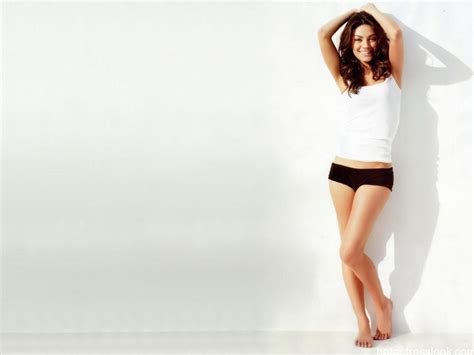 mila kunis hottest bikini images  wallpapers collection hd