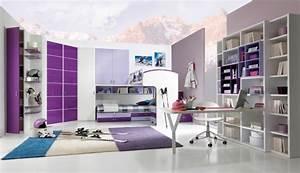 Teppich Lila Weiß : lila teppich sorgt f r eine gehobene atmosph re im raum ~ Indierocktalk.com Haus und Dekorationen