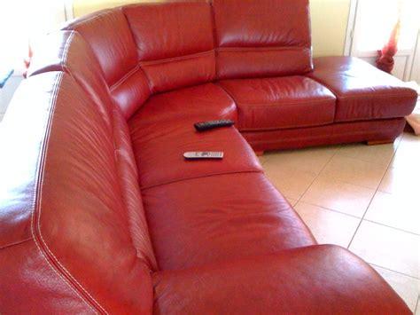 peinture pour canapé en cuir recherce idées couleur tapisseries pour canapé cuir bo