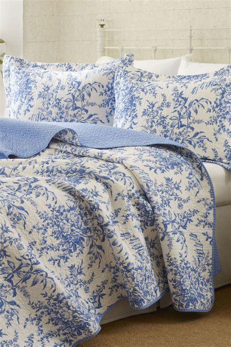 Blue And White Duvet Cover by White And Blue Duvet Cover The Bedroom