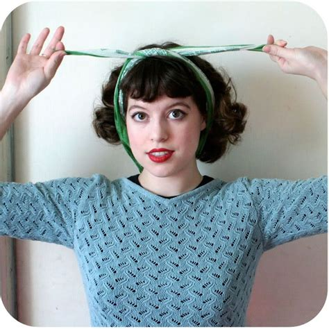 1940s Hairstyles With Scarf by 1940 S Headscarf How To Tie Thanks Vixen Vintage