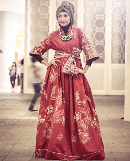pesona batik nusantara  indah  menawan  muslimah