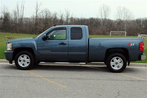 purchase   chevrolet silverado  lt extended