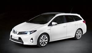 Avis Toyota Auris Hybride : toyota auris touring sports caract ristiques techniques et tarifs ~ Gottalentnigeria.com Avis de Voitures