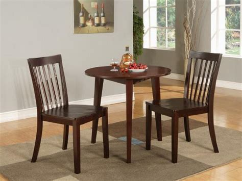 miscellaneous small kitchen table and 2 chairs