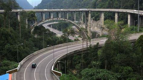 pemudik bisa lalui jalan nasional padang  passbukit