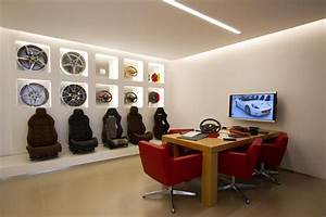 FERRARI ANNOUNCES THE OPENING OF STRATSTONE MANCHESTERS