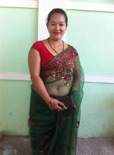 low hip saree aunties exposing navels on page 633 xossip
