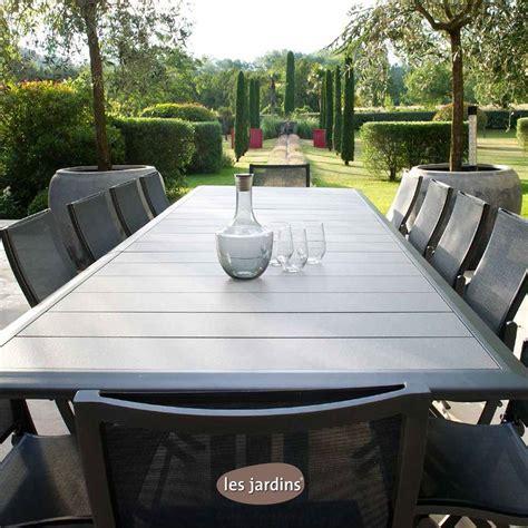 collection hegoa table extensible en aluminium gris espace avec pied central pliant et plateau