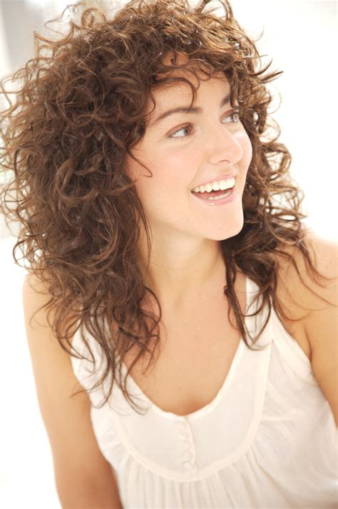 stylenoted nick arrojos top tips  styling curly hair