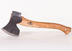 Woodworking with an axe - Gränsfors Bruk