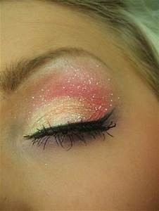 This is so pretty! It's like fairy makeup! Love this ...