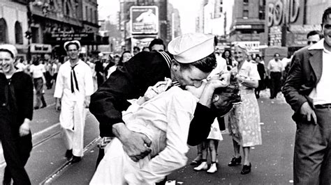Greta Friedman, Woman In Iconic Wwii Times Square Kiss