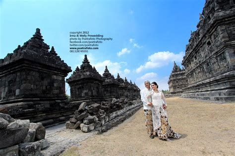 foto pre wedding outdoor  candi plaosan jogjajpg