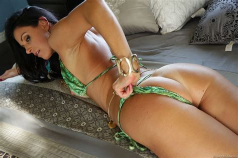 India Summer Gets Drilled In Her Sexy Green Bikini Porn